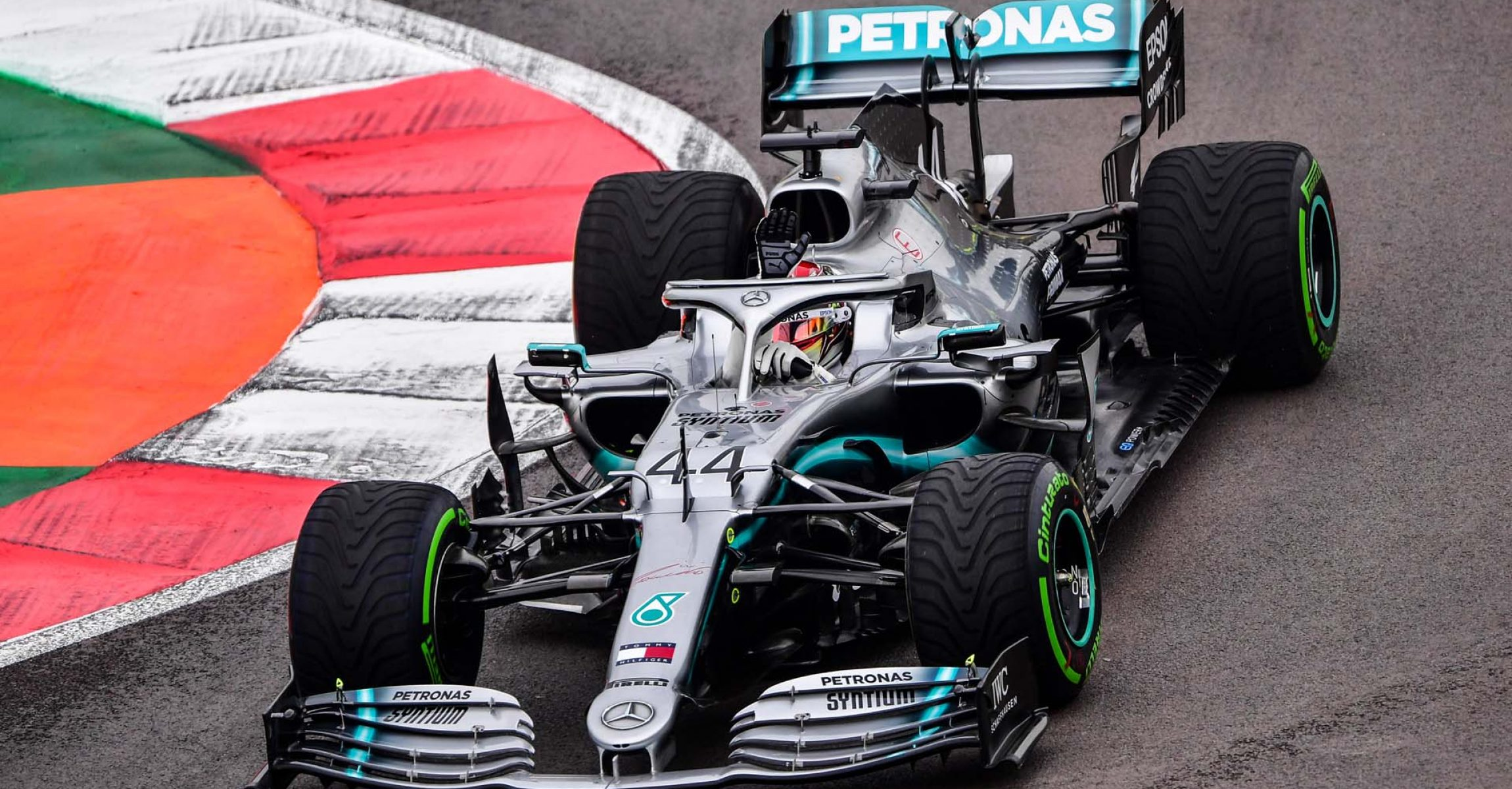 2019 Mexican Grand Prix, Friday - LAT Images Mercedes Lewis Hamilton