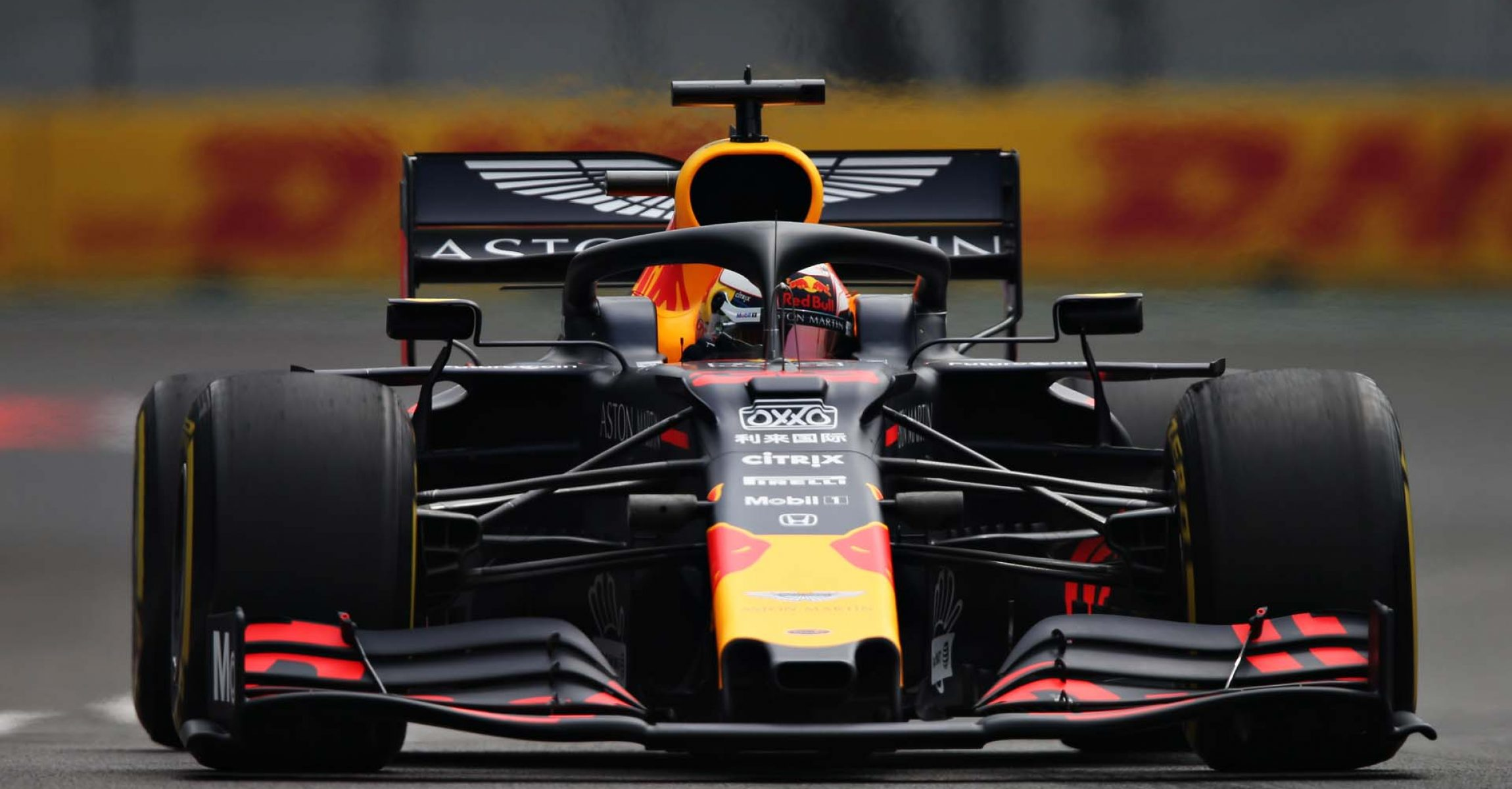 MEXICO CITY, MEXICO - OCTOBER 25: Max Verstappen of the Netherlands driving the (33) Aston Martin Red Bull Racing RB15 on track during practice for the F1 Grand Prix of Mexico at Autodromo Hermanos Rodriguez on October 25, 2019 in Mexico City, Mexico. (Photo by Charles Coates/Getty Images) // Getty Images / Red Bull Content Pool // AP-21Z28MDF51W11 // Usage for editorial use only //