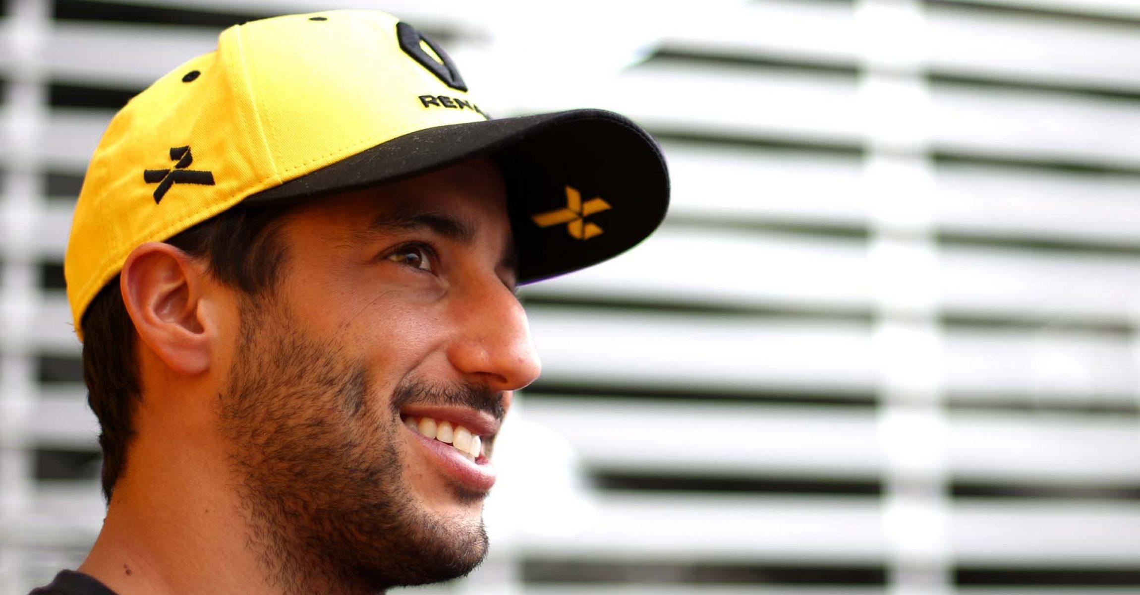 Daniel Ricciardo (AUS) Renault F1 Team with the media. Mexican Grand Prix, Thursday 24th October 2019. Mexico City, Mexico.