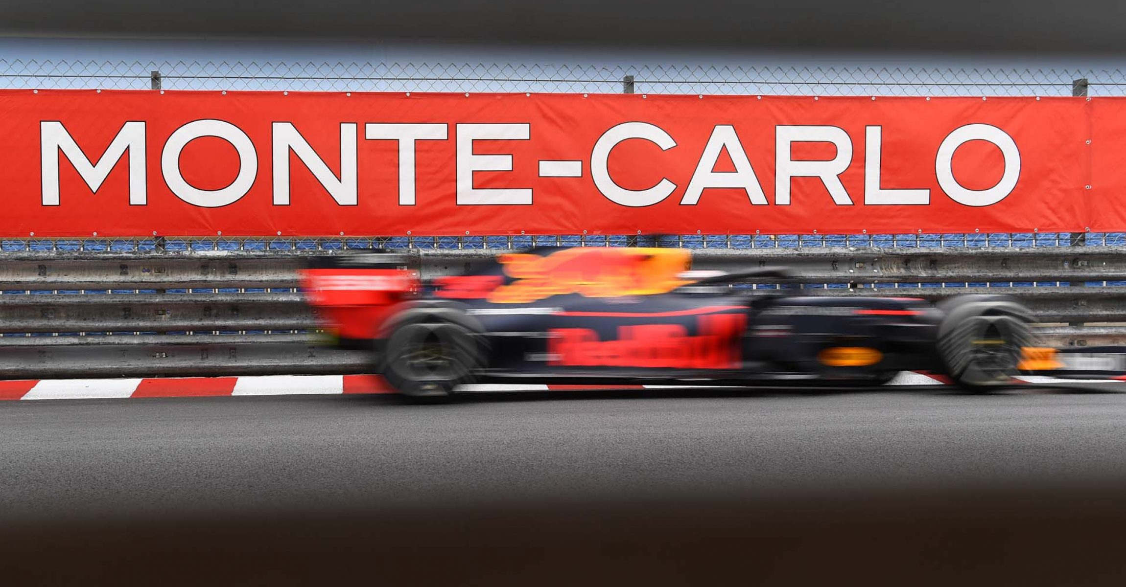 MONTE-CARLO, MONACO - MAY 26: Max Verstappen of the Netherlands driving the (33) Aston Martin Red Bull Racing RB15 on track during the F1 Grand Prix of Monaco at Circuit de Monaco on May 26, 2019 in Monte-Carlo, Monaco. (Photo by Michael Regan/Getty Images) // Getty Images / Red Bull Content Pool  // AP-1ZF1RNVBW2111 // Usage for editorial use only // Please go to www.redbullcontentpool.com for further information. //