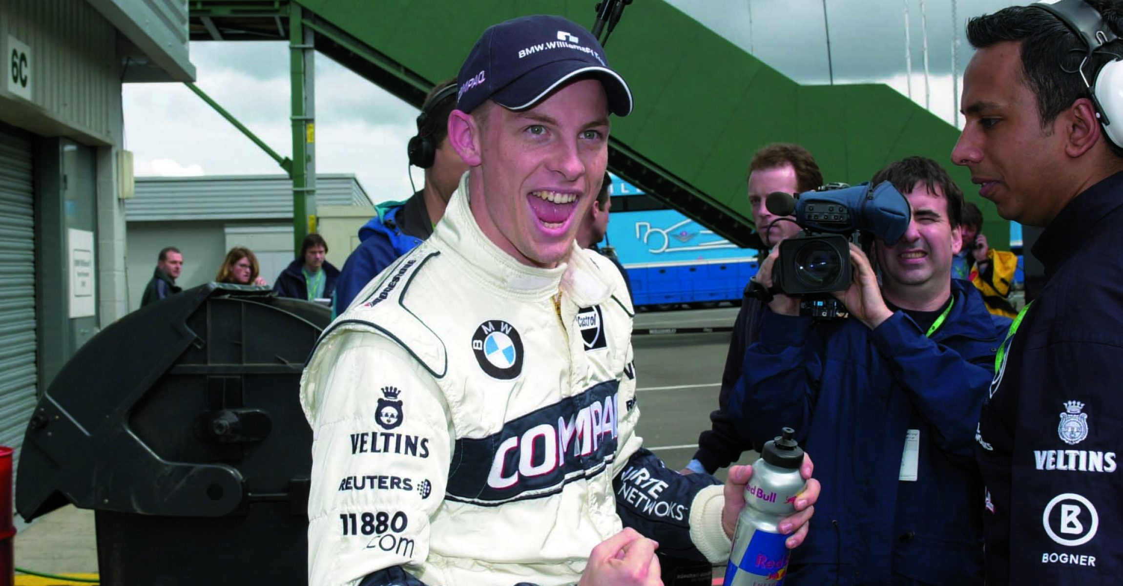 Saturday, April 22, 2000  British Grand Prix  Silverstone, England, 2000  Jenson Button WilliamsF1 BMW FW22 after he got sith place © Formula One Pictures tele (44) 01992 787800 Picture by John Townsend