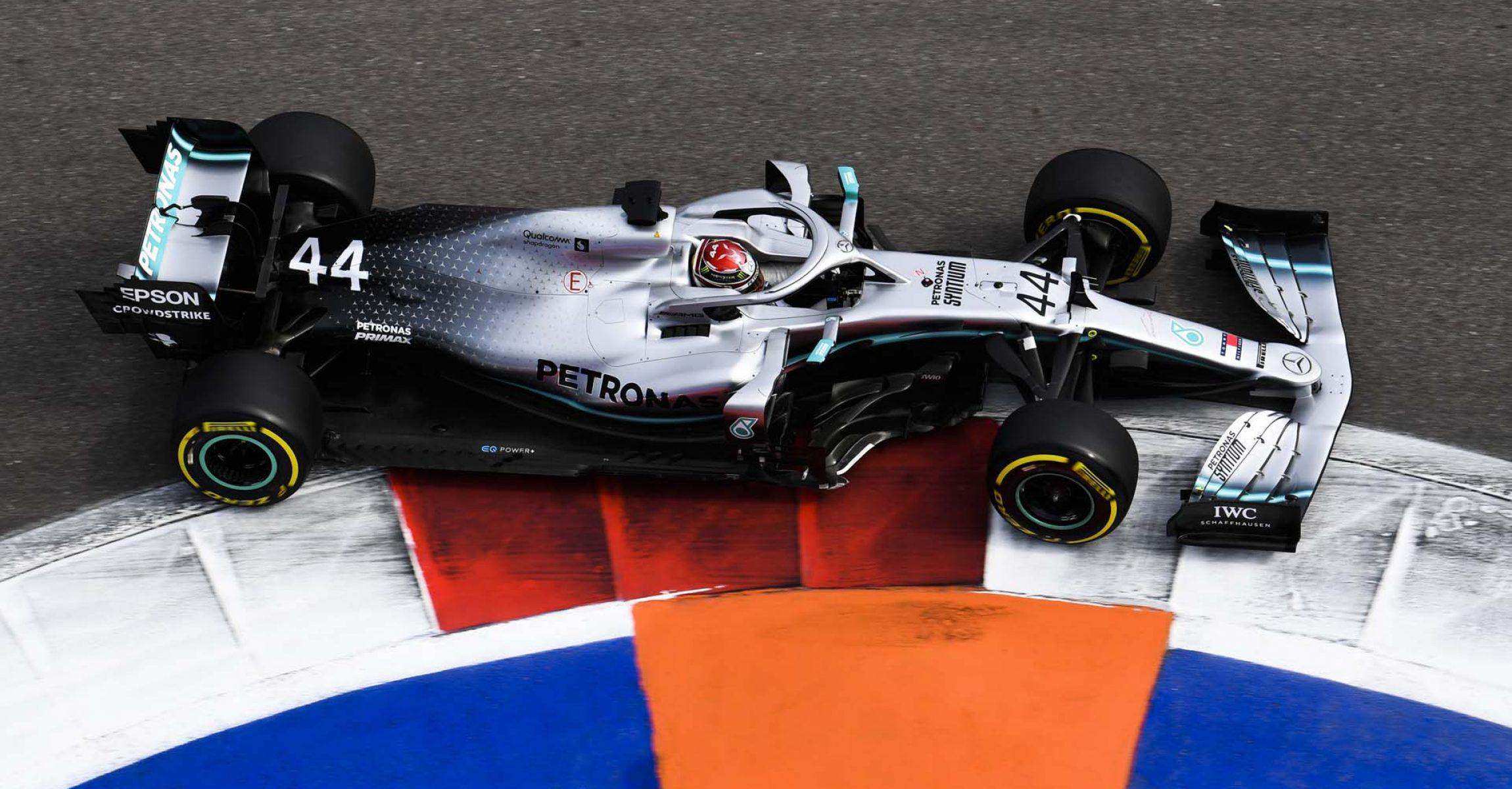 2019 Russian Grand Prix, Friday - LAT Images Lewis Hamilton Mercedes