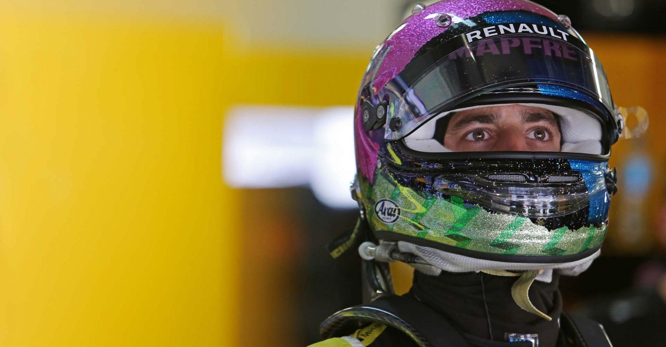 Daniel Ricciardo (AUS) Renault F1 Team. Russian Grand Prix, Friday 27th September 2019. Sochi Autodrom, Sochi, Russia.