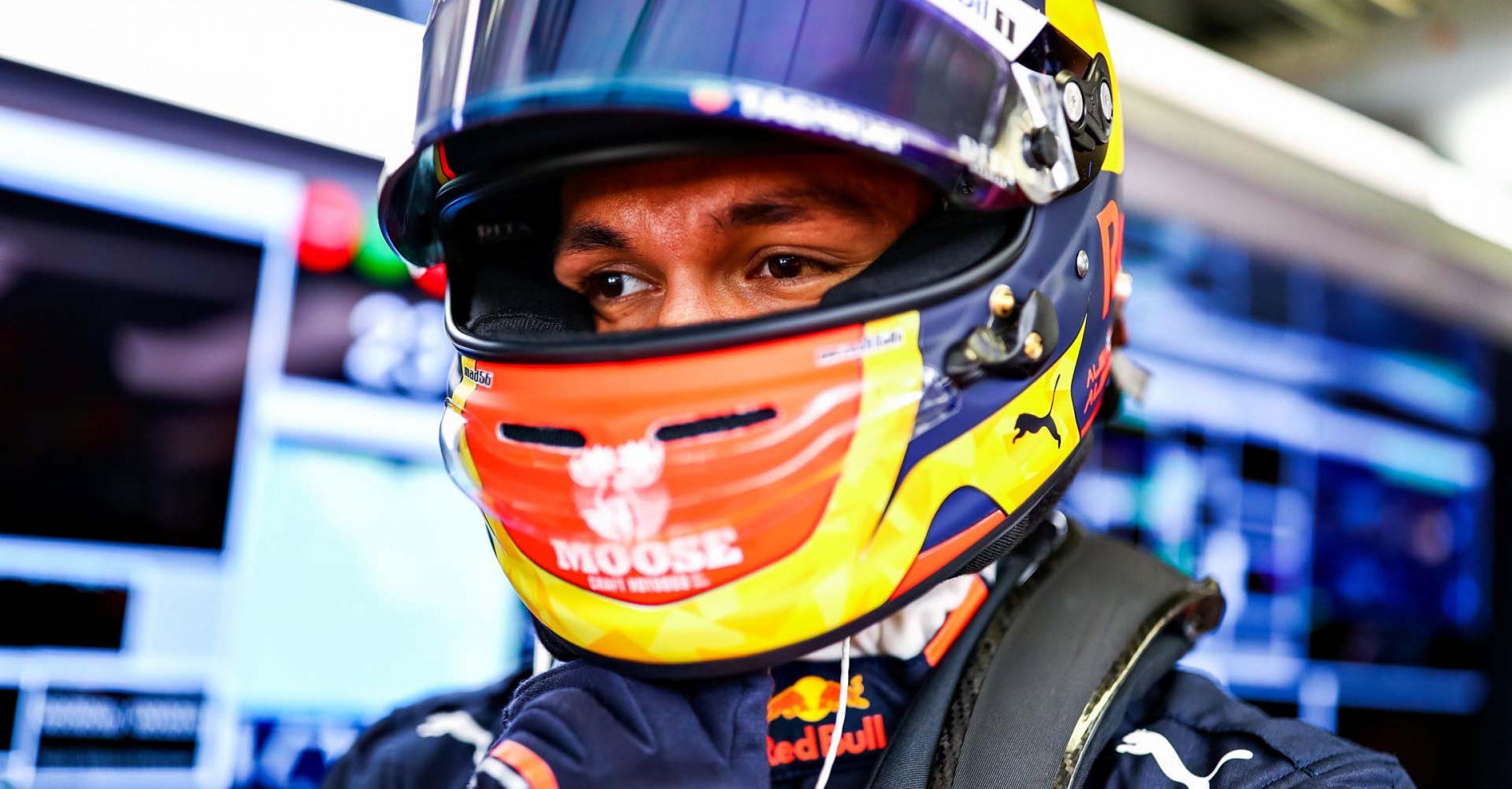 SOCHI, RUSSIA - SEPTEMBER 29: Alexander Albon of Thailand and Red Bull Racing prepares to drive in the garage before the F1 Grand Prix of Russia at Sochi Autodrom on September 29, 2019 in Sochi, Russia. (Photo by Mark Thompson/Getty Images) // Getty Images / Red Bull Content Pool // AP-21QJAZ7UW1W11 // Usage for editorial use only //