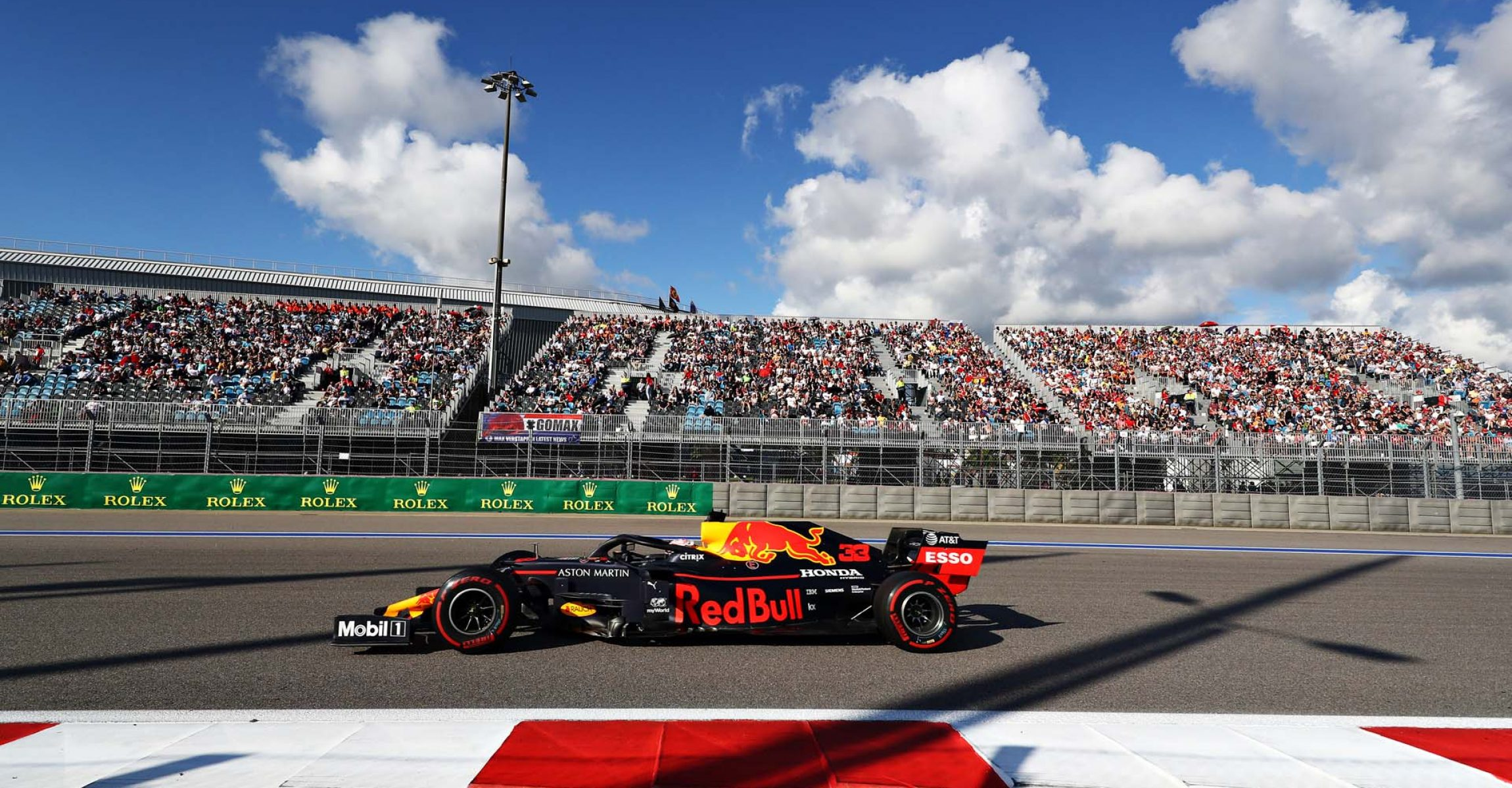 SOCHI, RUSSIA - SEPTEMBER 29: Max Verstappen of the Netherlands driving the (33) Aston Martin Red Bull Racing RB15 on track during the F1 Grand Prix of Russia at Sochi Autodrom on September 29, 2019 in Sochi, Russia. (Photo by Mark Thompson/Getty Images) // Getty Images / Red Bull Content Pool  // AP-21QJT3Q2W1W11 // Usage for editorial use only //