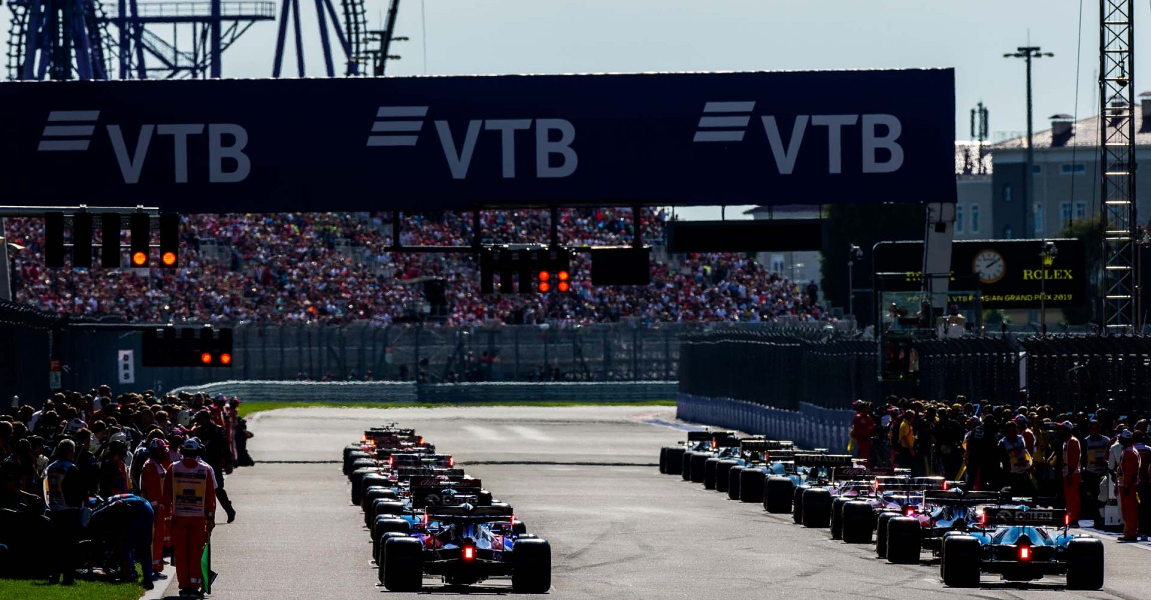 SOCHI, RUSSIA - SEPTEMBER 29: Start during the F1 Grand Prix of Russia at Sochi Autodrom on September 29, 2019 in Sochi, Russia. (Photo by Peter Fox/Getty Images) // Getty Images / Red Bull Content Pool // AP-21QJGGDGS1W11 // Usage for editorial use only //