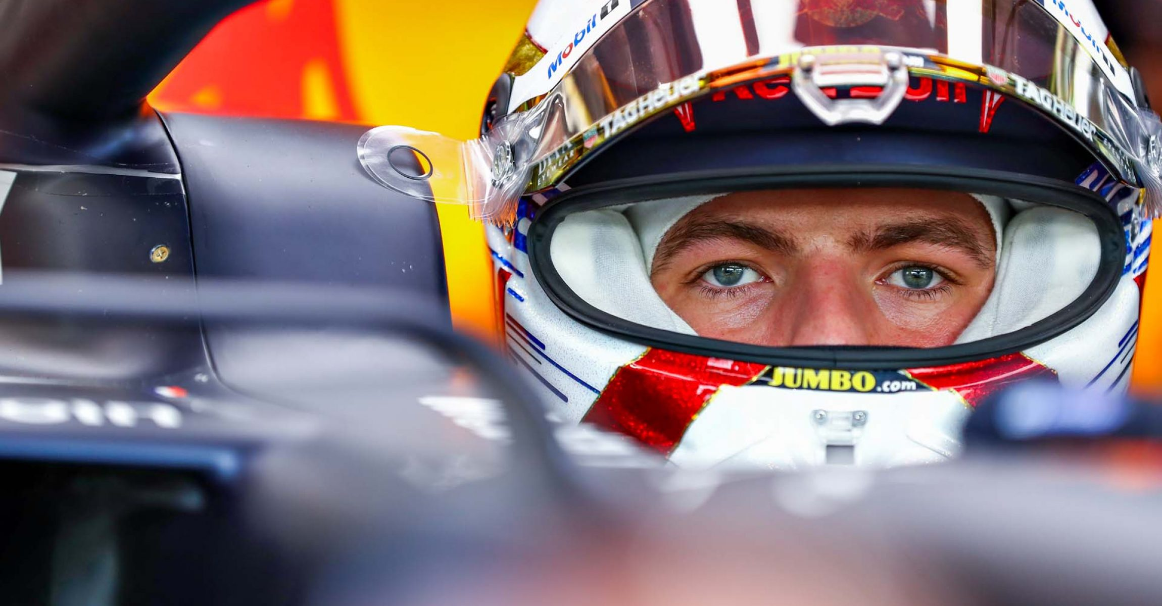 SINGAPORE, SINGAPORE - SEPTEMBER 20: Max Verstappen of Netherlands and Red Bull Racing prepares to drive in the garage during practice for the F1 Grand Prix of Singapore at Marina Bay Street Circuit on September 20, 2019 in Singapore. (Photo by Mark Thompson/Getty Images) // Getty Images / Red Bull Content Pool  // AP-21MNCWZTD1W11 // Usage for editorial use only //