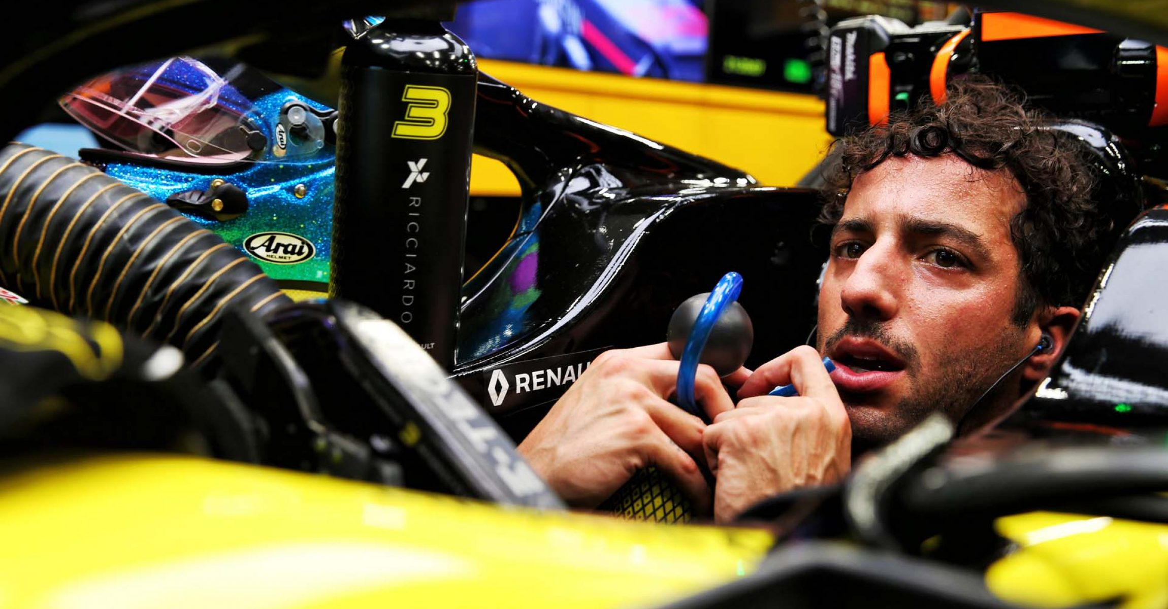 Daniel Ricciardo (AUS) Renault F1 Team RS19. Singapore Grand Prix, Friday 20th September 2019. Marina Bay Street Circuit, Singapore.