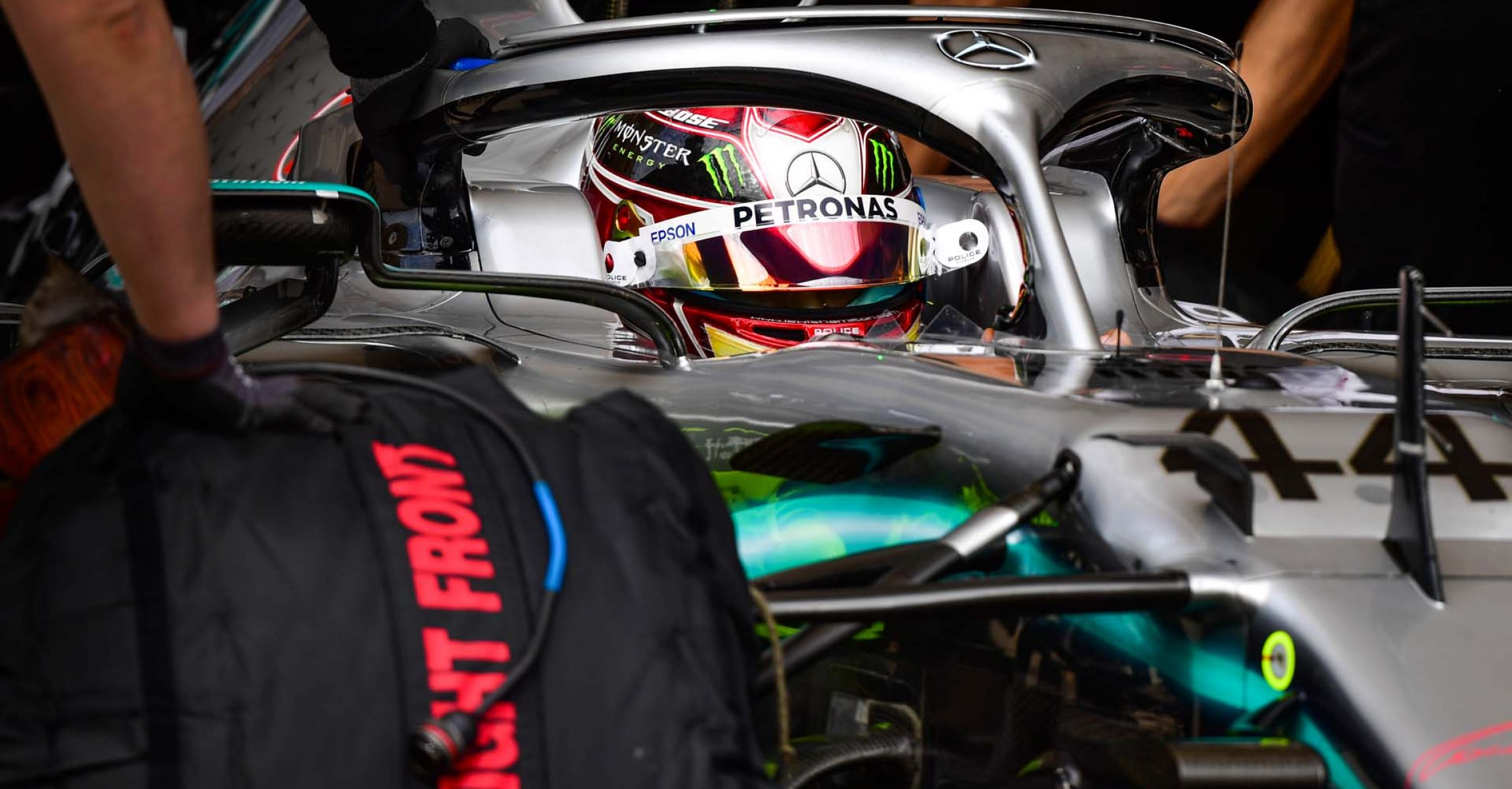 2019 United States Grand Prix, Friday - LAT Images Lewis Hamilton Mercedes