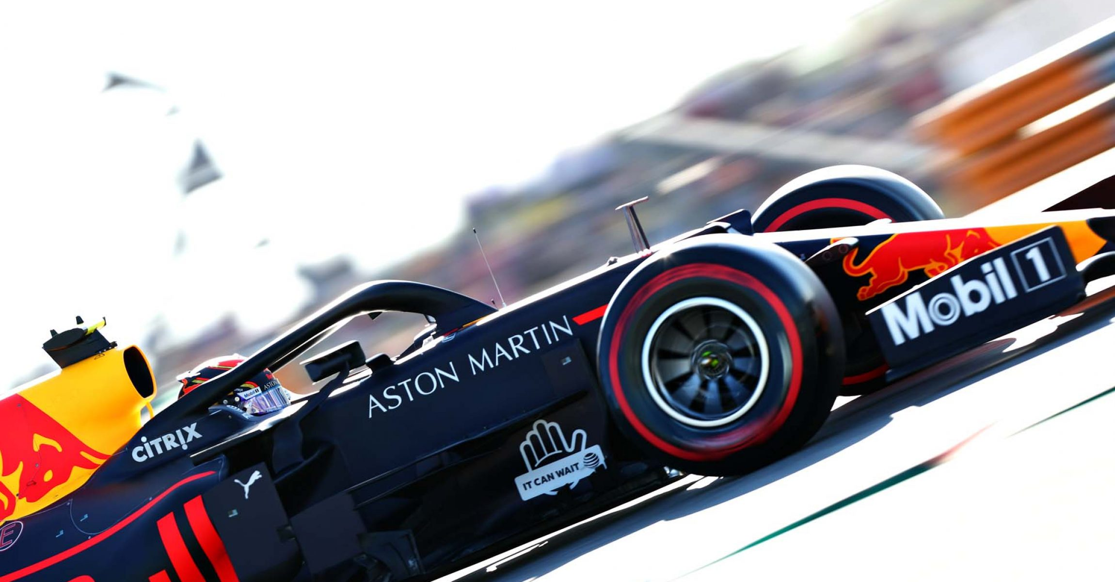 AUSTIN, TEXAS - NOVEMBER 02: Alexander Albon of Thailand driving the (23) Aston Martin Red Bull Racing RB15 on track during qualifying for the F1 Grand Prix of USA at Circuit of The Americas on November 02, 2019 in Austin, Texas. (Photo by Dan Istitene/Getty Images) // Getty Images / Red Bull Content Pool // AP-222M68C8N2111 // Usage for editorial use only //