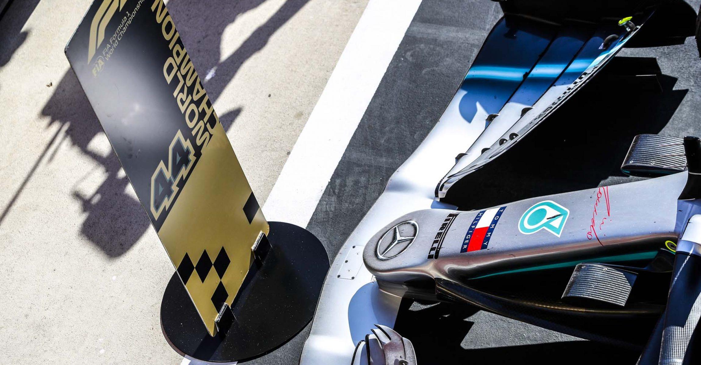 2019 United States Grand Prix, Sunday - LAT Images Lewis Hamilton world champion Mercedes