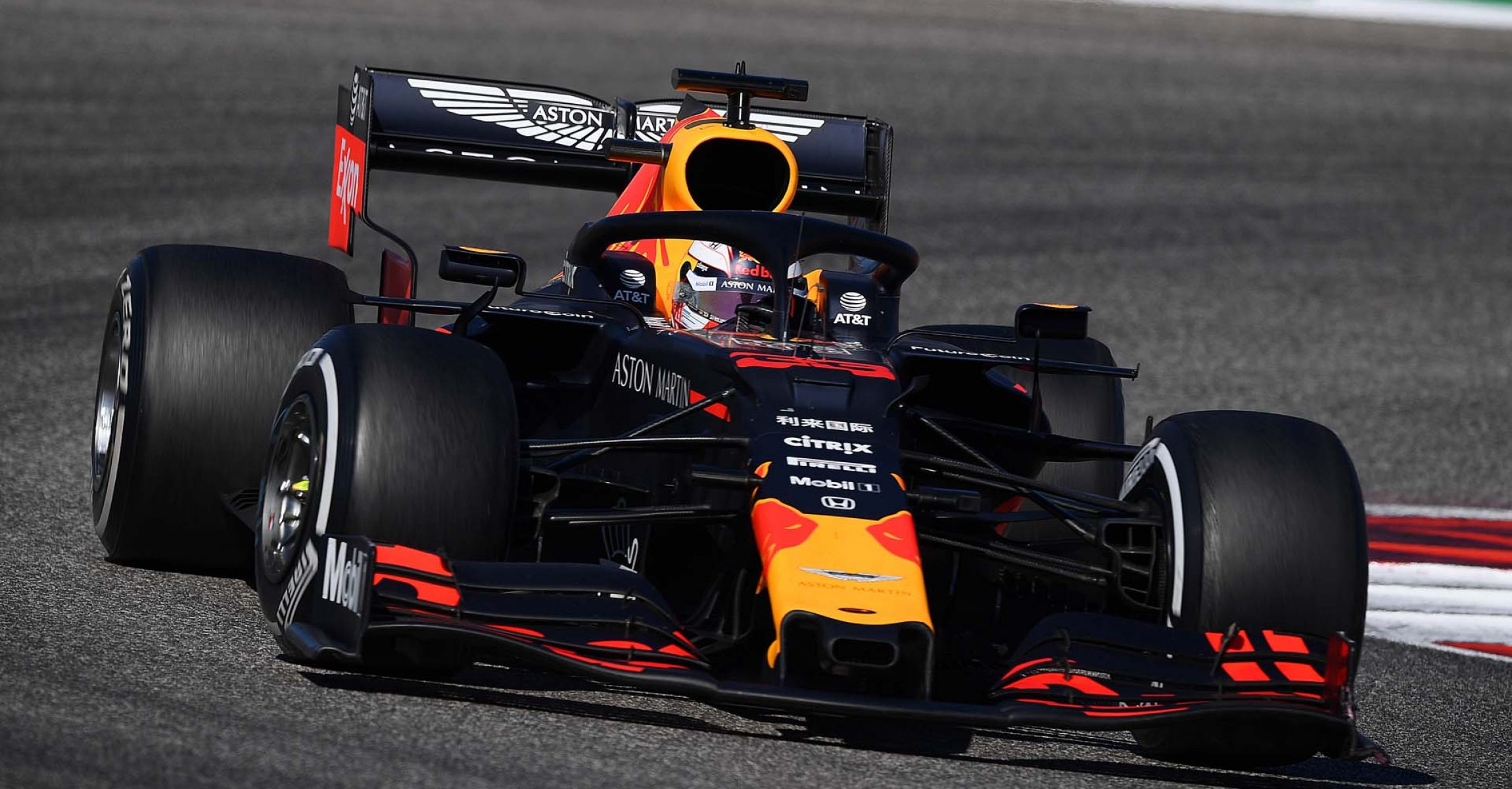 AUSTIN, TEXAS - NOVEMBER 03: Max Verstappen of the Netherlands driving the (33) Aston Martin Red Bull Racing RB15 on track during the F1 Grand Prix of USA at Circuit of The Americas on November 03, 2019 in Austin, Texas. (Photo by Clive Mason/Getty Images) // Getty Images / Red Bull Content Pool // AP-222Y848U52111 // Usage for editorial use only //