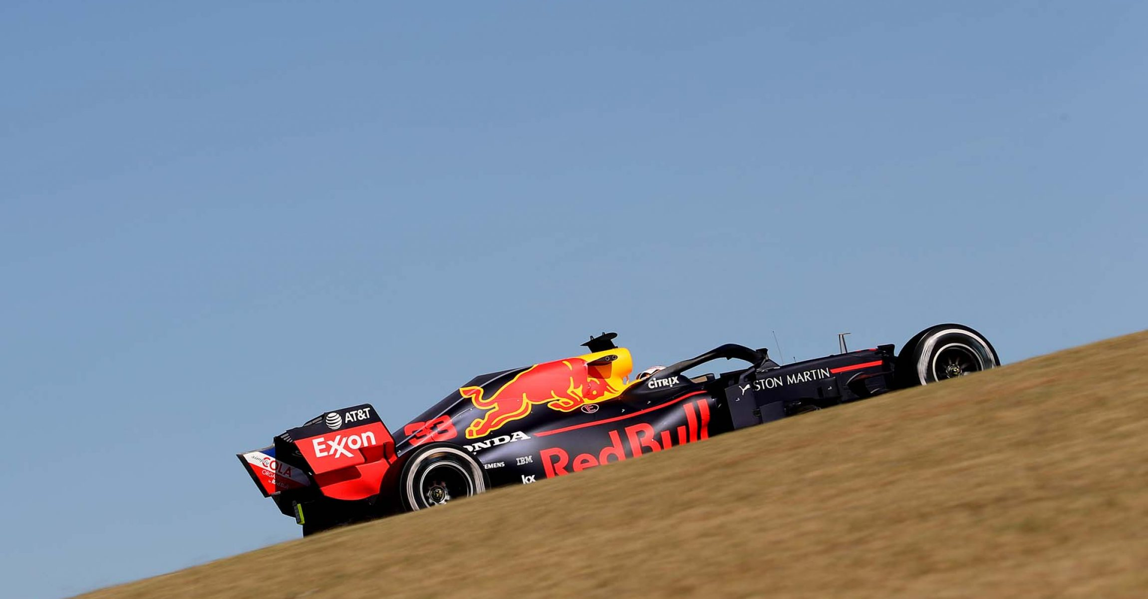 AUSTIN, TEXAS - NOVEMBER 03: Max Verstappen of the Netherlands driving the (33) Aston Martin Red Bull Racing RB15 on track during the F1 Grand Prix of USA at Circuit of The Americas on November 03, 2019 in Austin, Texas. (Photo by Mark Thompson/Getty Images) // Getty Images / Red Bull Content Pool // AP-222YCNU8H2111 // Usage for editorial use only //