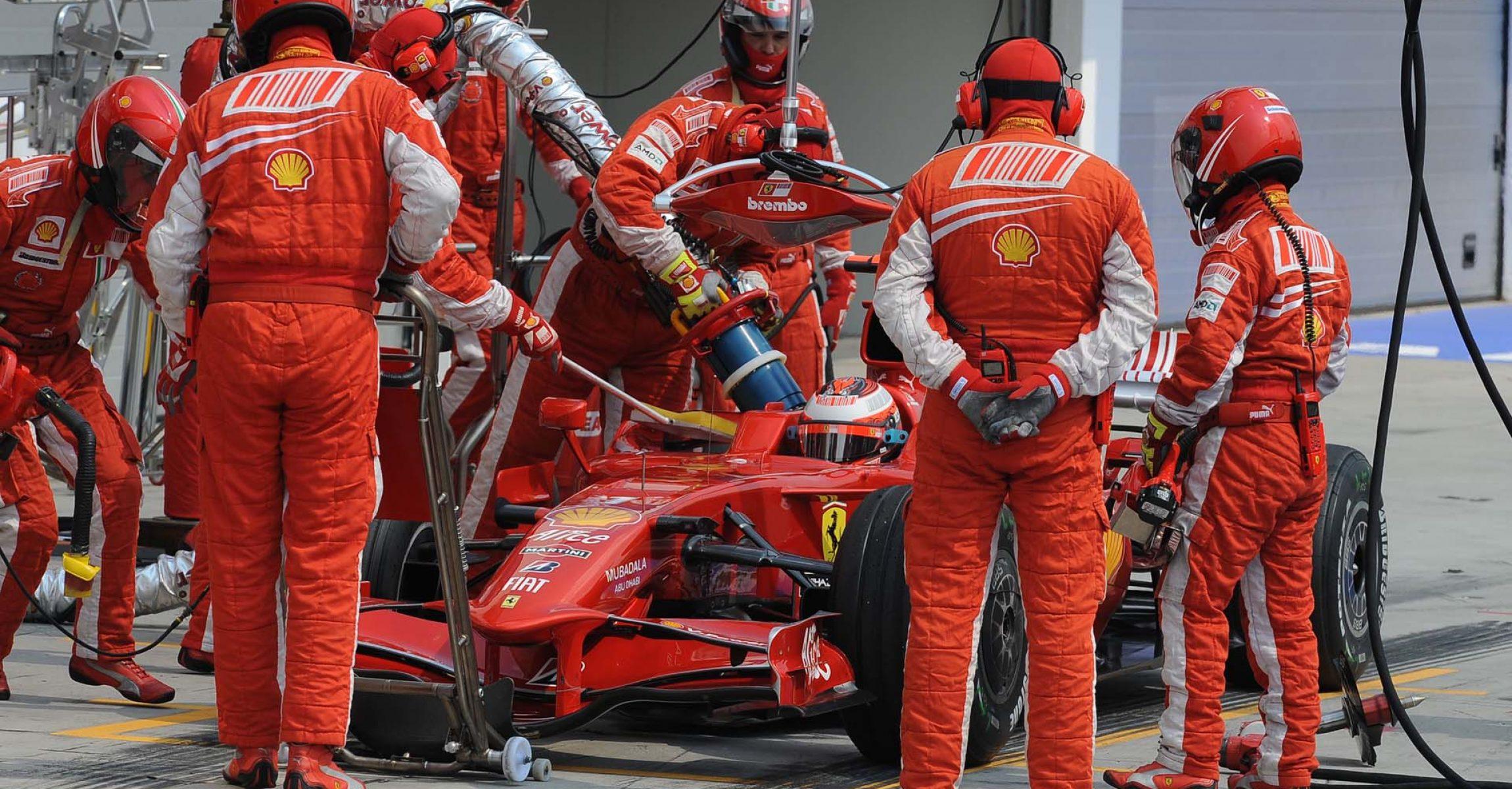Kimi Räikkönen, Ferrari, 2008, Hungarian GP, pitstop, refuelling