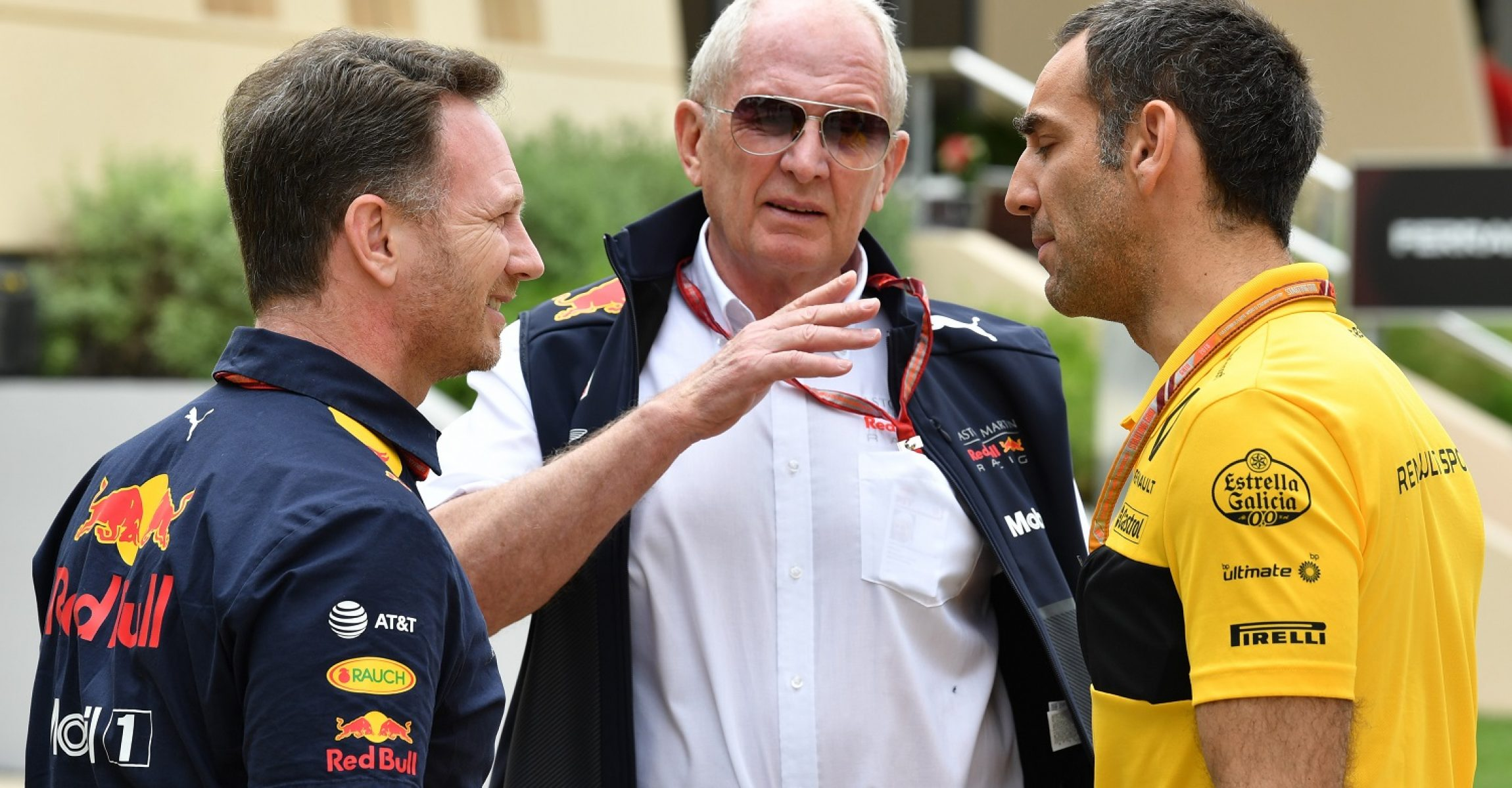 Christian Horner (GBR) Red Bull Racing Team Principal, Dr Helmut Marko (AUT) Red Bull Motorsport Consultant and Cyril Abiteboul (FRA) Renault Sport F1 Managing Director at Formula One World Championship, Rd2, Bahrain Grand Prix, Practice, Bahrain International Circuit, Sakhir, Bahrain, Friday 6 April 2018.