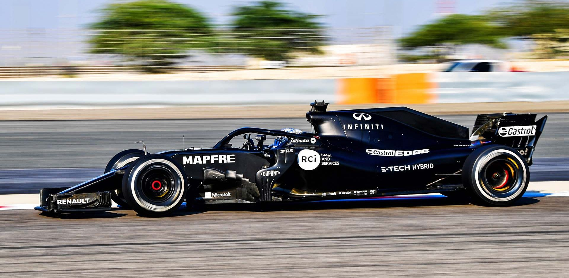 Fernando Alonso (ESP) in the Renault F1 Team RS18. RS18 Bahrain Test, Wednesday 4th November 2020. Sakhir, Bahrain.